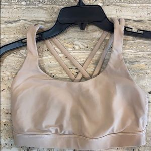 LULULEMON ENERGY BRA SIZE 6 IN TAN. GOOD CONDITION